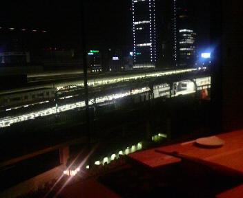 電車の見えるレストラン